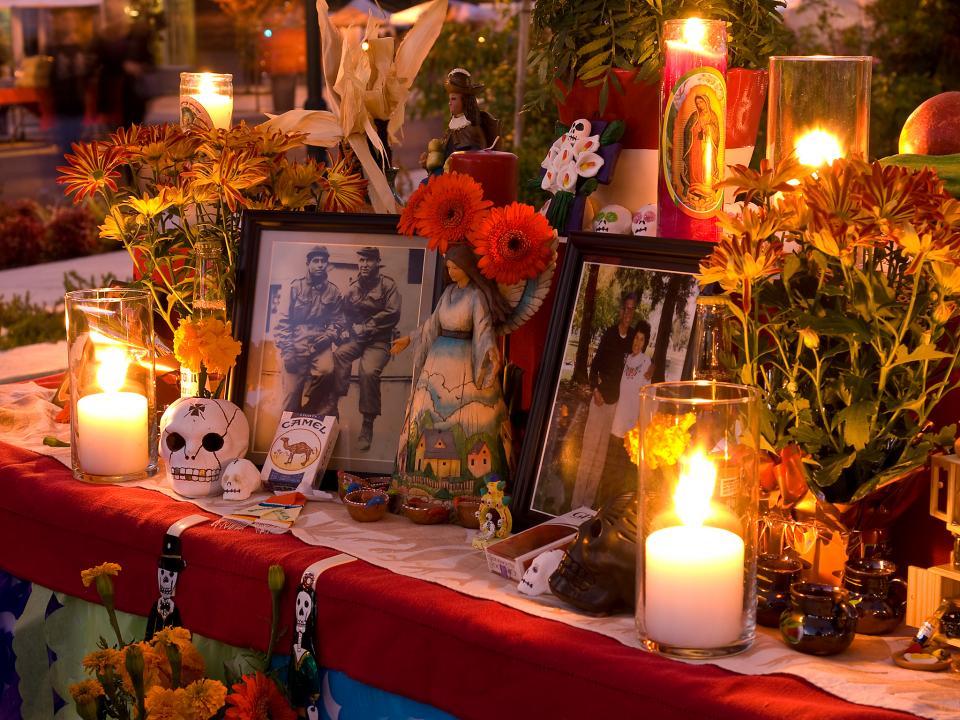 dia_de_los_muertos_altar.jpg