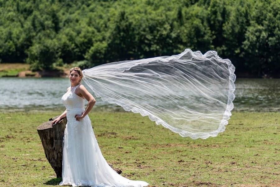 by Foto Paths - Wedding Bride