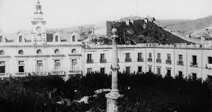 La Plaza Vieja en el año 1900.