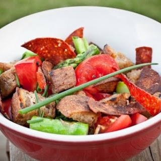 Panzanella - Bread Salad With Asparagus And Salami