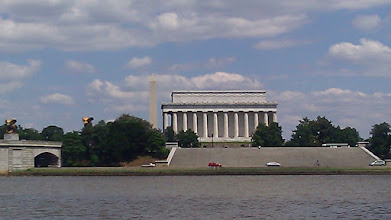 Photo: The backside of Lincoln Memorial