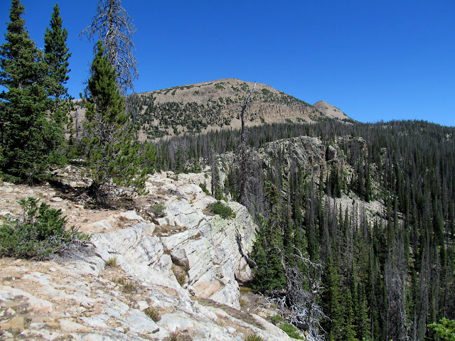 Cliffs below Big Elk Lake