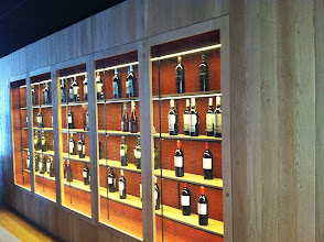 Photo: #iluminacionled #CaspFood Vitrina Vinos