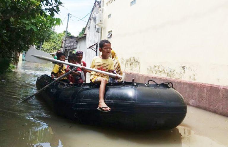 Bengawan Solo meluap, Ngawi terendam banjir hingga 1 meter