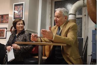 """Photo: BUCHPRÄSENTATION """"DER UNTERGANG DER LIEBE"""" von MEINHARD RÜDENAUER am 13.2.2015. Dr. Barbara Lee-Störk und der Autor. Foto: Herta Haider"""