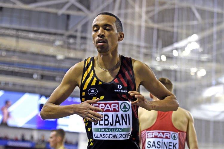 Ismael Debjani wint zijn reeks op de 1.500 meter en plaatst zich zo voor de halve finales