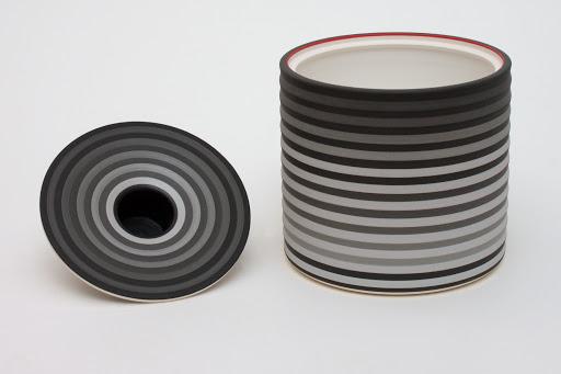 Jin Eui Kim Ceramic Jar 04