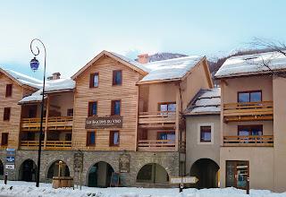 Photo: Façade de la résidence en hiver