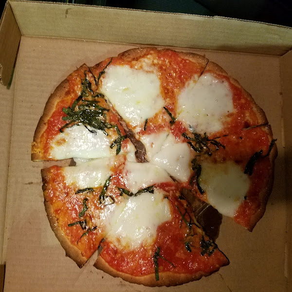 Gluten free Margherita pizza. It was pretty good.