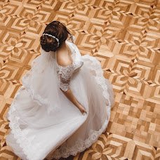 Wedding photographer Elena Lovcevich (elenalovcevich). Photo of 16.11.2017