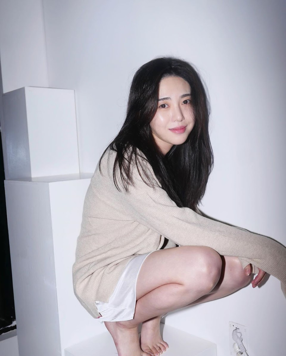 kwon mina aoa 4