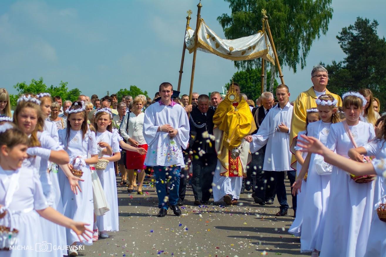 Eucharystia? Uwielbiamy!