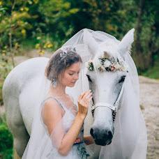 Wedding photographer Ekaterina Kolomarova (katesalat). Photo of 23.10.2016