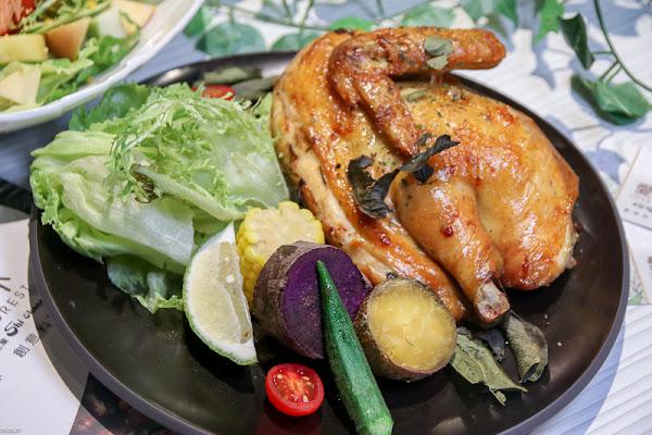 高雄美食「愛.雨林餐廳」華麗森林系餐廳!新鮮食材,用料也超用心!給你好吃又好拍。|悅誠廣場|美食最潮森林系餐廳~天然食材華麗擺盤