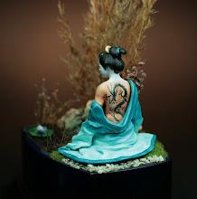 """Photo: """"GEISHA"""" (PILIPILI) 90mm peinture: acrylique et huile"""