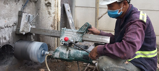 Giá khoan cắt bê tông bao nhiêu là phụ thuộc vào địa thế công trình
