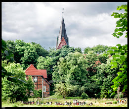 Photo: Die im 14. Jahrhundert errichtete Kirche in Klaber ist neugotisch überbaut worden.