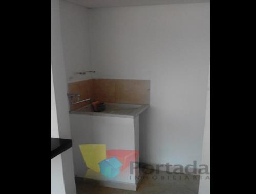 apartamento en arriendo bombona 679-5585
