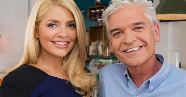 Holly Willoughby shoves heat pads down bra for This Morning