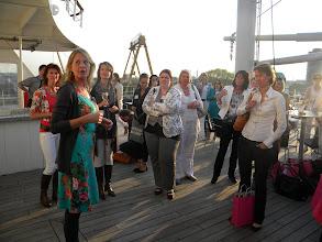 Photo: Inleiding prijsuitreiking door secretaressecoach Petra Fehring-2
