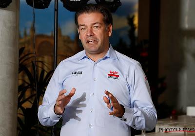 """John Lelangue reageert na uitlatingen van woedende Giro-baas: """"Geen beslissing van Lotto om te staken of rit in te korten"""""""