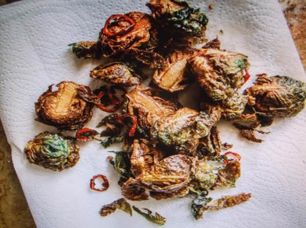 Crispy Brussels Sprouts With Honey Sriracha Glaze