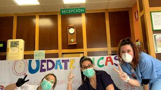Tres trabajadoras del centro, en una imagen publicada en el Facebook de la residencia.