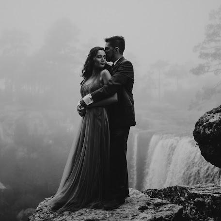 Wedding photographer Gera Gallardo (elefantephotogr). Photo of 19.09.2017