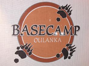 Photo: We hadden voor maandag eigenlijk een roeitocht gepland, samen Satu. Satu is een gids die we in Ruka in 2004 hebben leren kennen en waarmee we steeds contact hebben gehouden. Ze baat nu het Basecamp te Oulanka uit, waar je oa. terecht kan voor muurklimmen, raften en roeitochten.