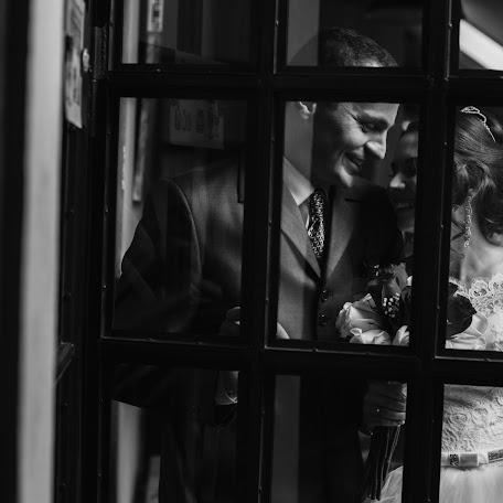 Wedding photographer Anton Sidorenko (sidorenko). Photo of 14.02.2018