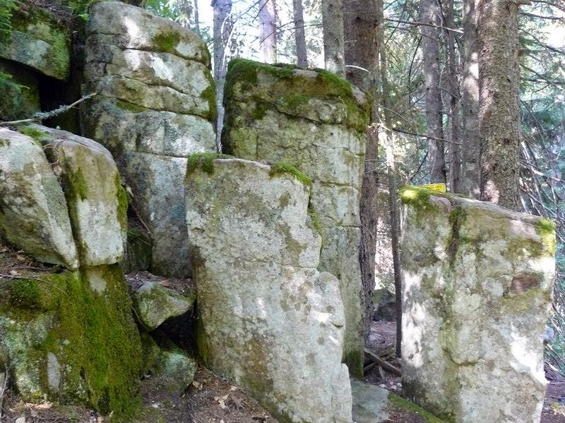 Редените камъни - екопътека Каньона на водопадите