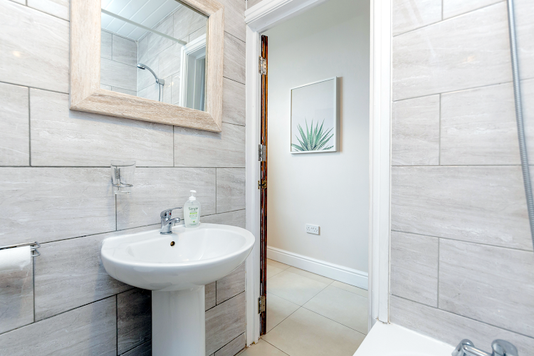 Bathroom at WelcomeStay - Clapham Junction