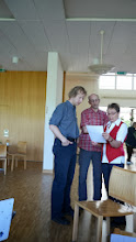Photo: Letzte Besprechung mit dem musikalischen Leiter Simon Dettwiler mit der Vizepräsidentin Marliese Plüss