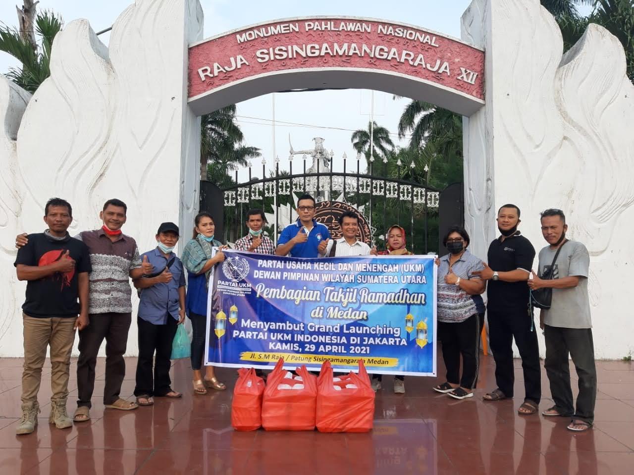 Meriahkan Grand Launching Partai UKM, DPW Partai UKM Sumut Bagikan Takjil Gratis di Kota Medan