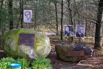 Photo: herinnerings monument voor oorlogs slachttoffers