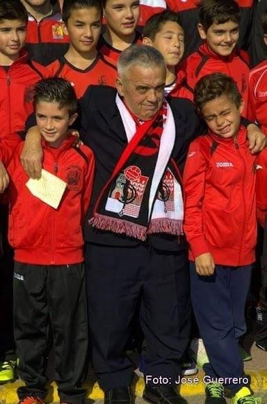 Andrés Soler con sus niños.