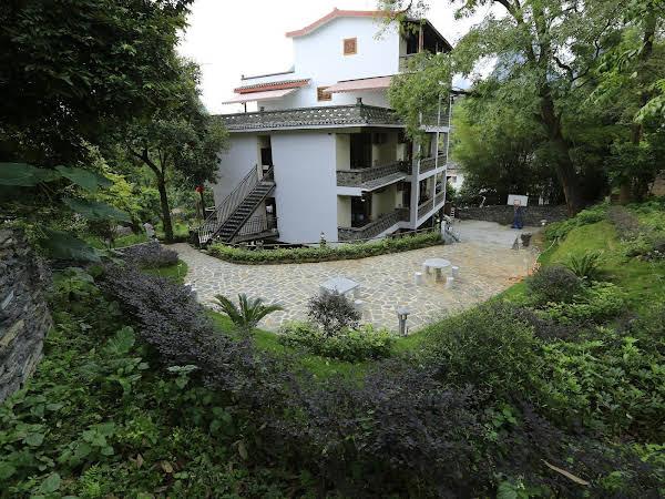 Yangshuo River Lodge