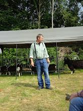 Photo: Jan Westra, eigenaar en fokker van zwarte toggenburger geiten en bokken vertelt over zijn geitenhouderij.