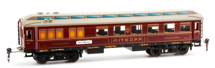 Photo: 'Mitropa' Dining Car no.19420