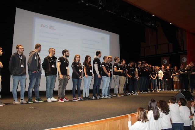 Más de 60 voluntarios colaboraron en la Firstf Lego League.