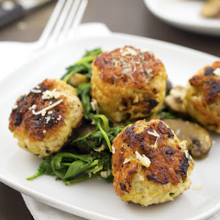 Turkey Meatballs With Arugula and Mushrooms