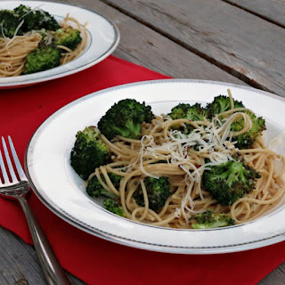 Garlicky Spaghetti with Roasted Broccoli