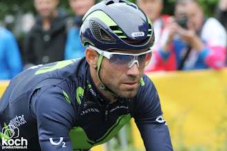 Photo: 01-07-2017: Wielrennen: Tour de France: DusseldorfAleandro Valverde (Movistar) valt in tijdrit en verlaat de tour al na etappe 1