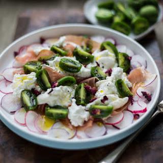 Baby Kiwi and Burrata Salad (with NERGI® kiwiberries)