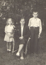 Photo: Janina, Magdalena Burbenė, Jurgis Valužis (Janinos Burbaitės archyvas)