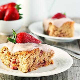 Strawberry Breakfast Cake (Gluten-Free, Vegan)