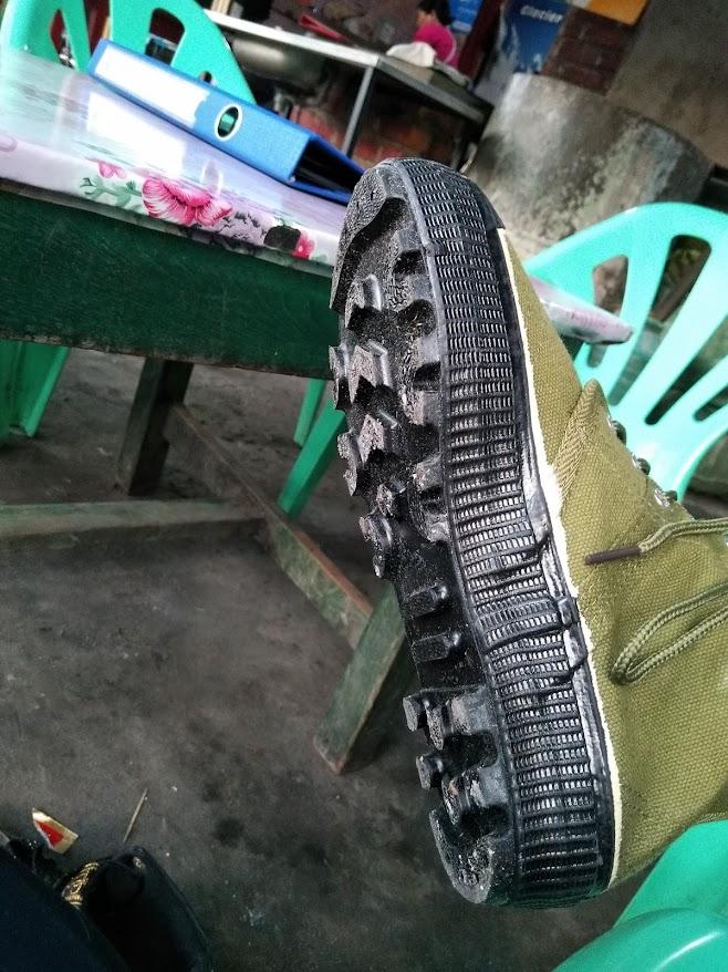 タイヤ再利用の靴