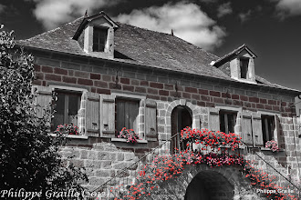 Photo: Chouzenoux - Maison vigneronne fleurie pittoresque