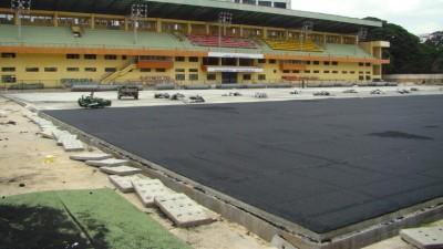installation-gazon-synthetique-terrain-football
