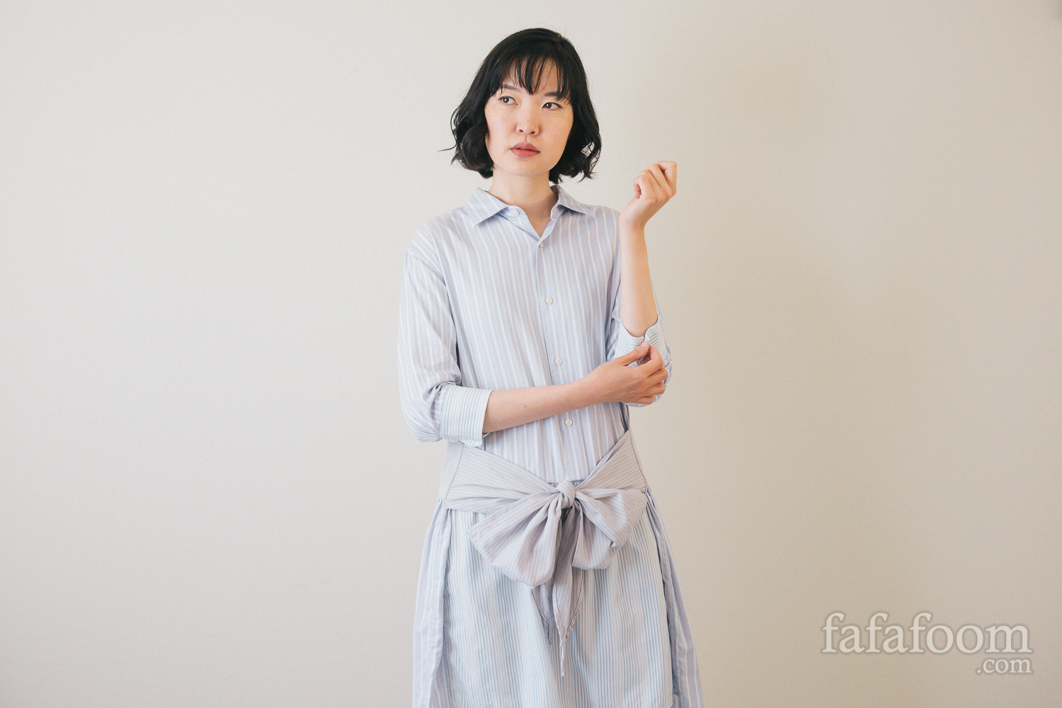 Styling: DIY Shirt Dress with Bow Waist Tie - DIY Fashion Garment | fafafoom.com